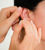 Ohr Akupunktur Dr. Kutus